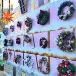 東京クリスマスマーケットに並んだフローリストたちのリースは壮観でした!
