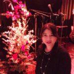 2018年最後のフラワーオブジェは、秋本奈緒美さんのライブステージへ!